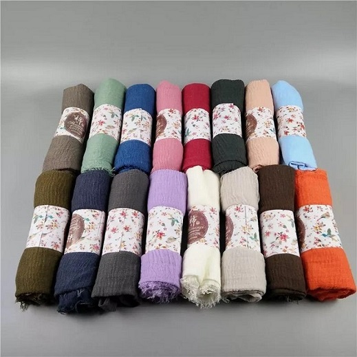 Hijabs for women 1pcs viscose solid Wrinkle scarf (color comes randomly)